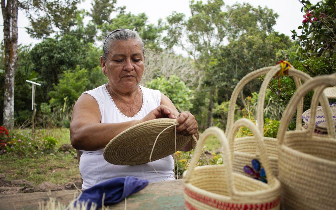 Historia de éxito – María Amanda Pérez… Artesana de Corazón